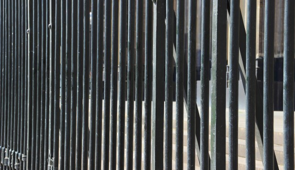 fence-337573_1280